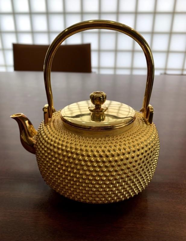 純金茶釜 金工芸の茶釜