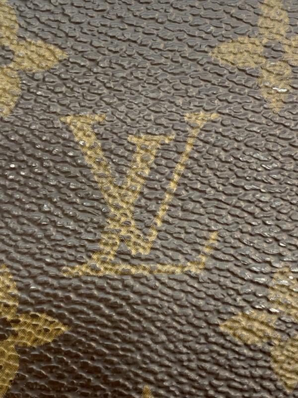 ルイヴィトンのモノグラムロゴ