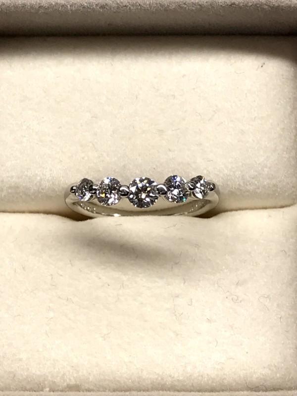 ダイヤモンド一文字ダイヤモンド0.702カラット