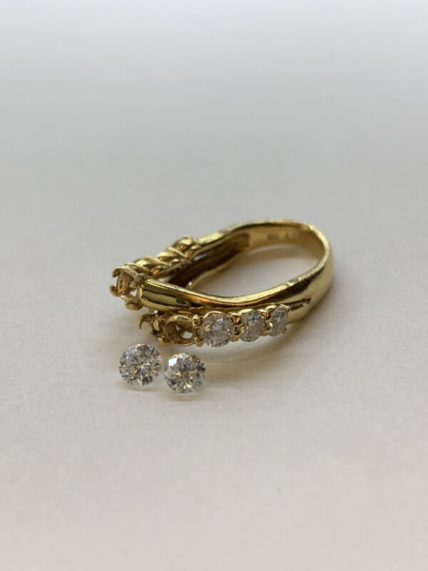 潰れた貴金属の指輪