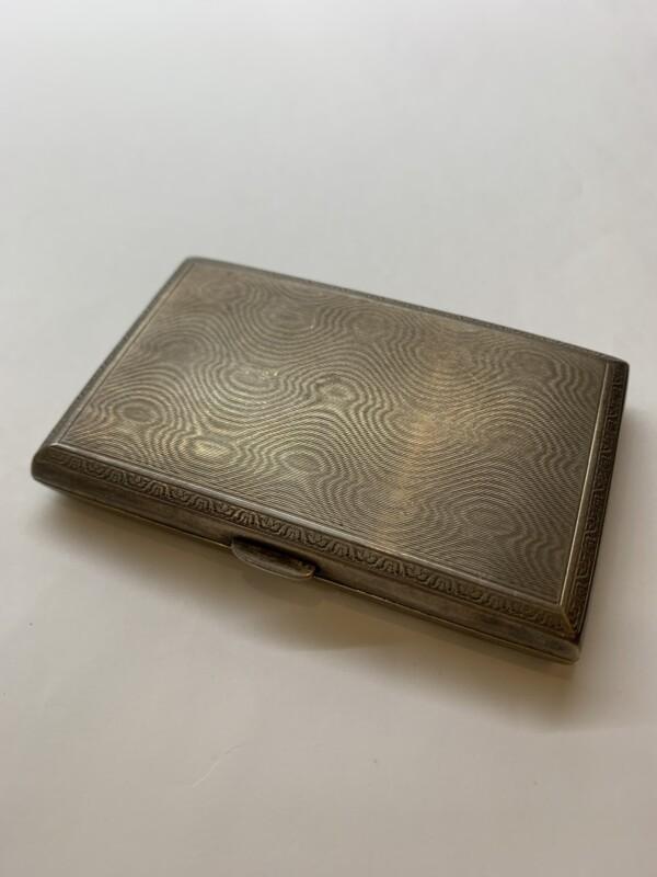 シルバー製のシガレットケース