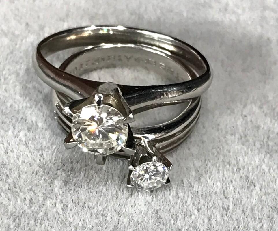 立て爪タイプのダイヤモンドリング