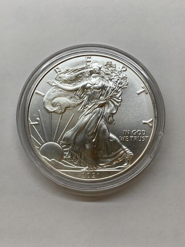 イーグル銀貨 表面 自由の女神の立ち姿
