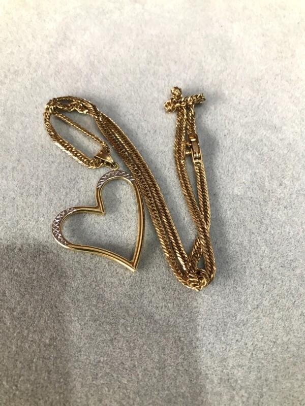 18 carat gold item,