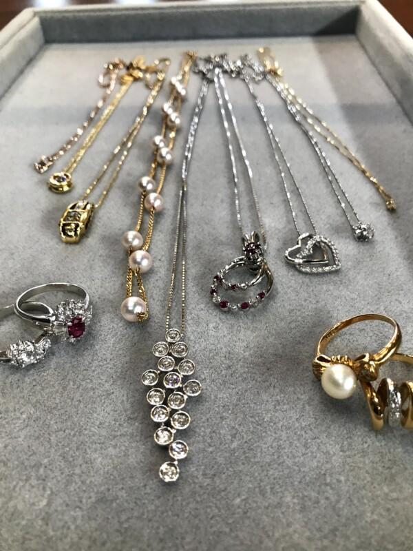 ダイヤモンドや金、プラチナのジュエリー
