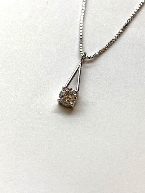 高品質の小さなダイヤモンド